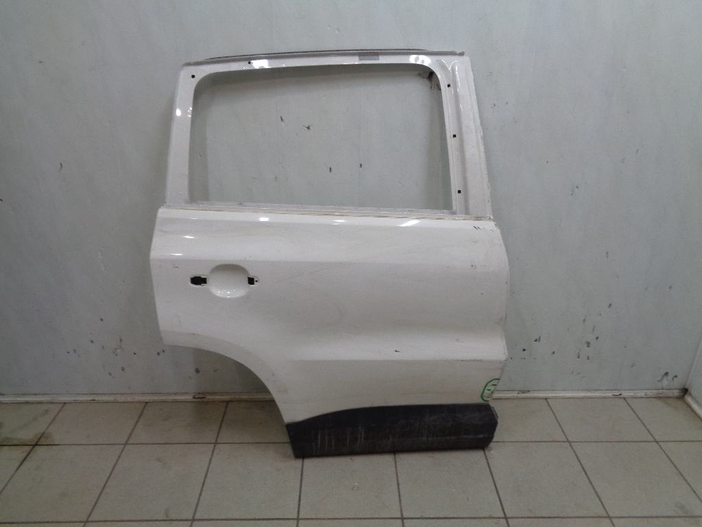 Дверь задняя правая 5N0833056A