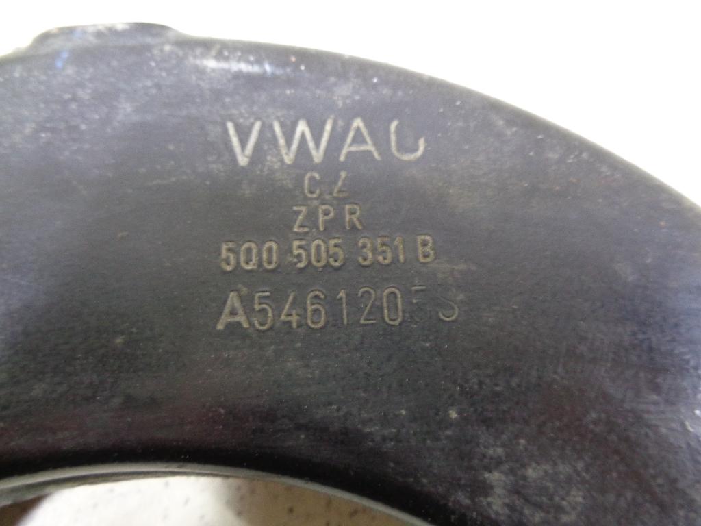 Рычаг задний верхний 5Q0505323C