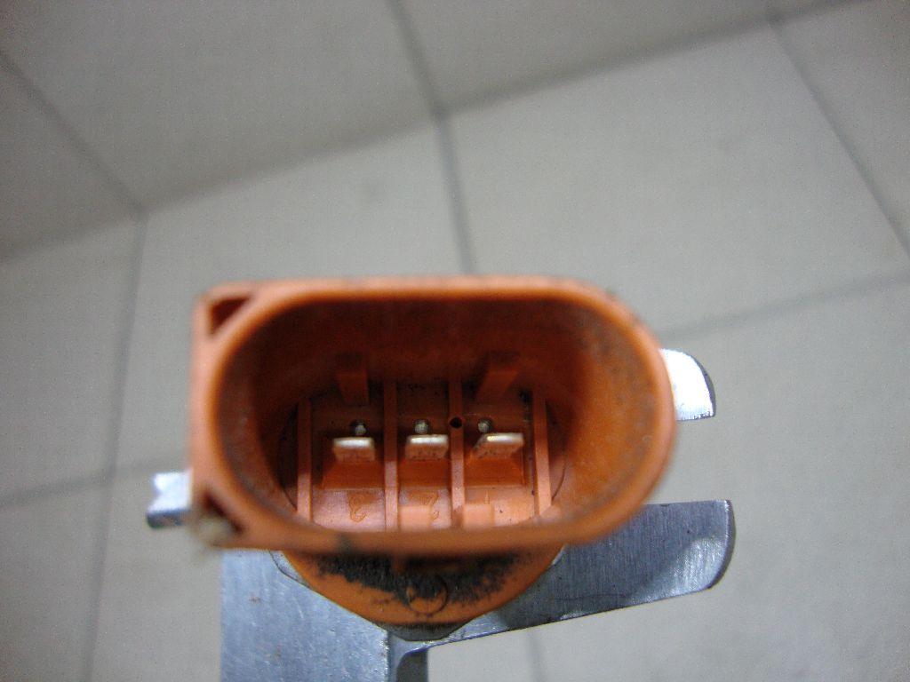 Датчик давления топлива 06J906051D