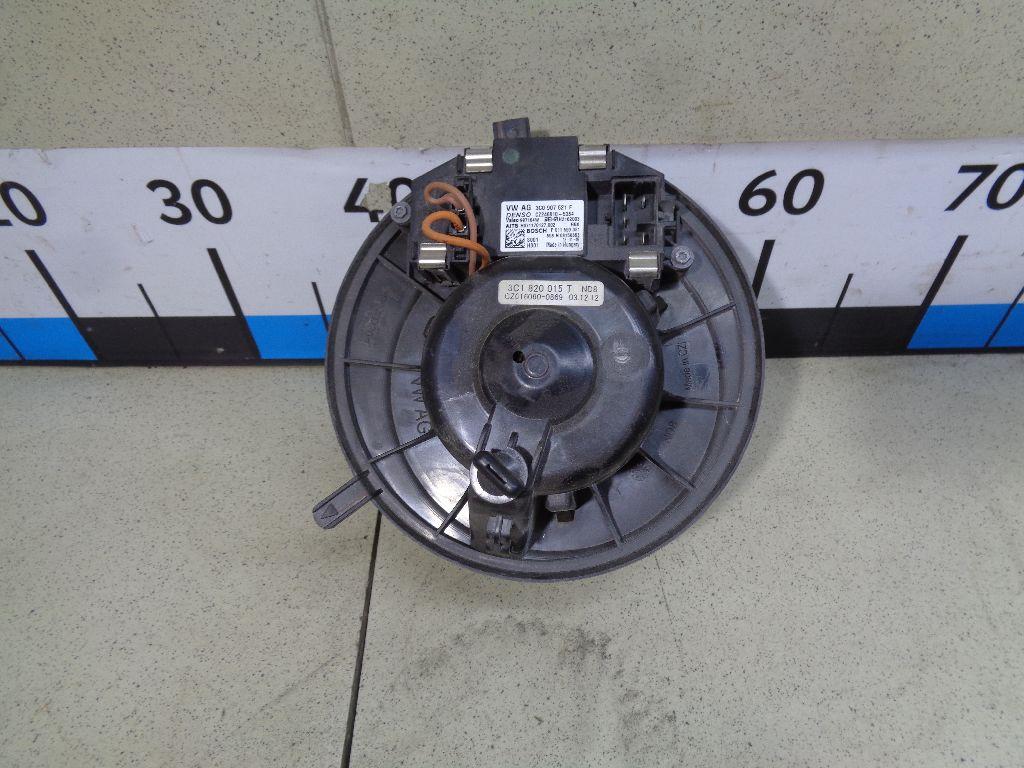 Моторчик отопителя 3C1820015T