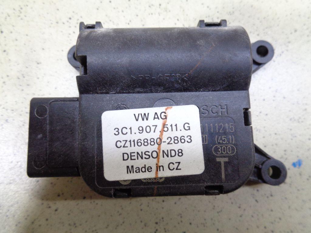 Моторчик заслонки отопителя 3C1907511G