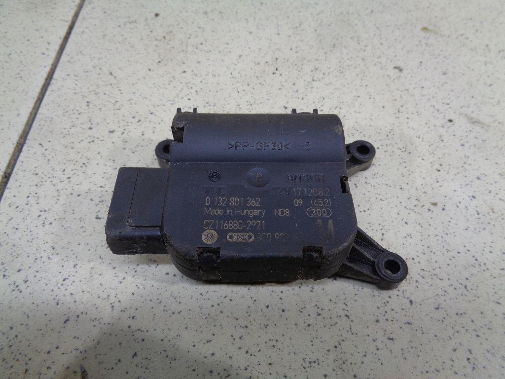 Моторчик заслонки отопителя 3C0907511A