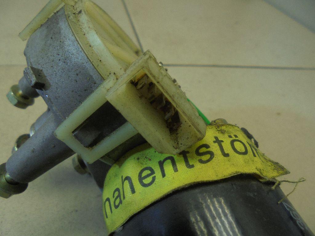 Моторчик стеклоочистителя передний 0390241108