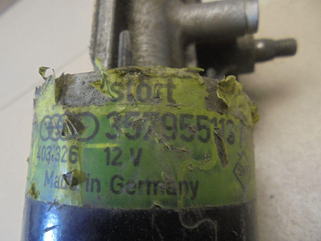Моторчик стеклоочистителя передний 357955113A