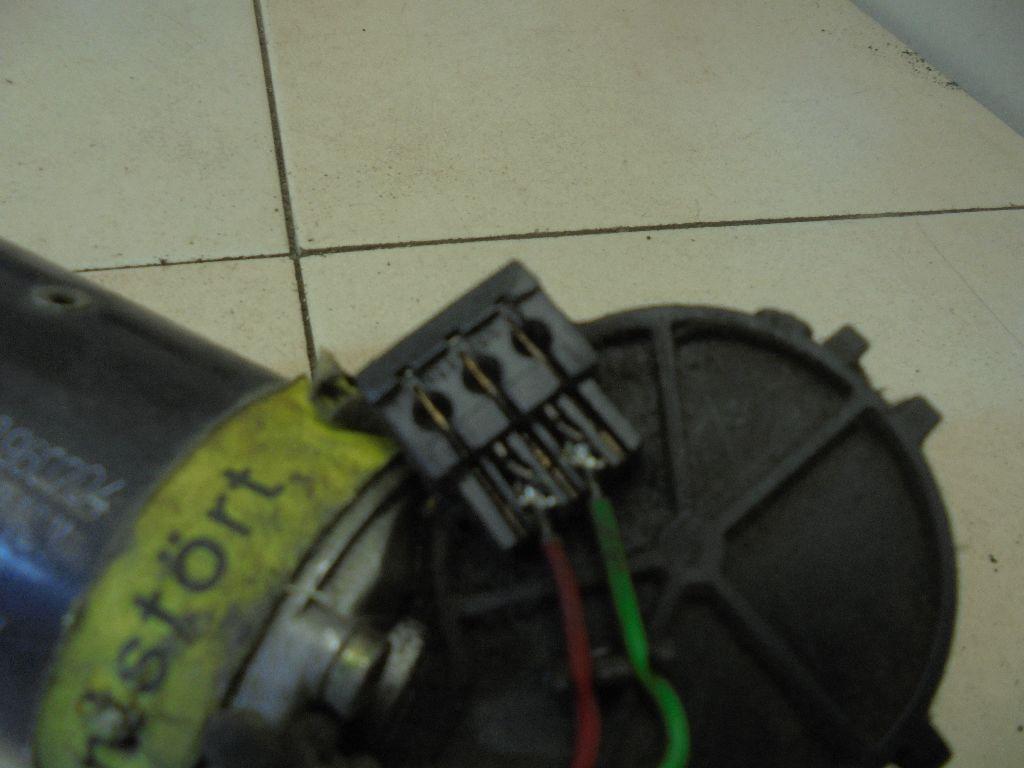 Моторчик стеклоочистителя передний 3A1955113