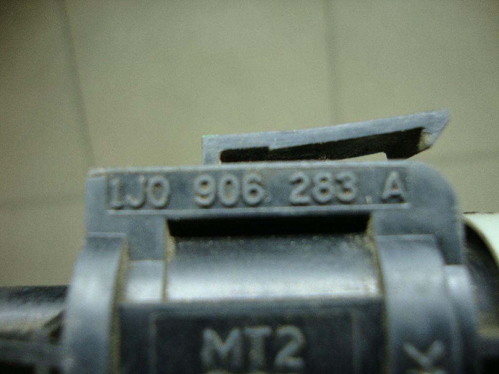 Клапан электромагнитный 1J0906283A