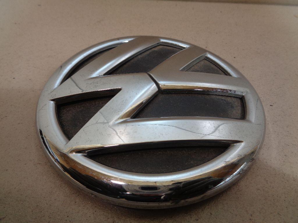 Эмблема на крышку багажника 5C6853630ULM