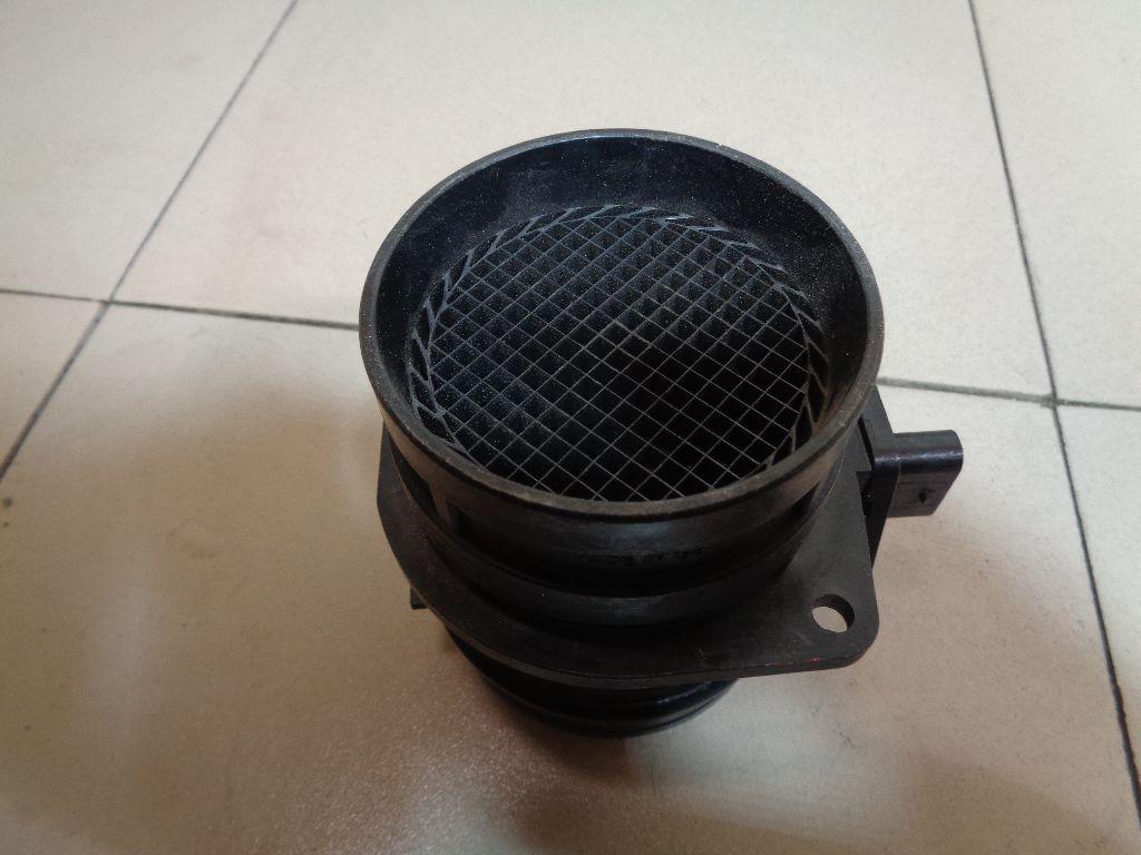 Расходомер воздуха (массметр) 06J906461B