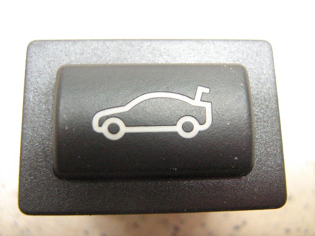 Кнопка открывания багажника 61319200316