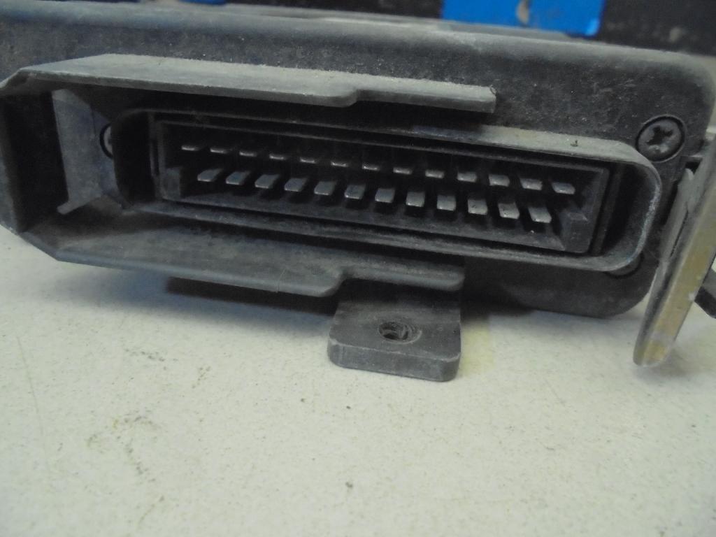 Блок управления двигателем 855907403