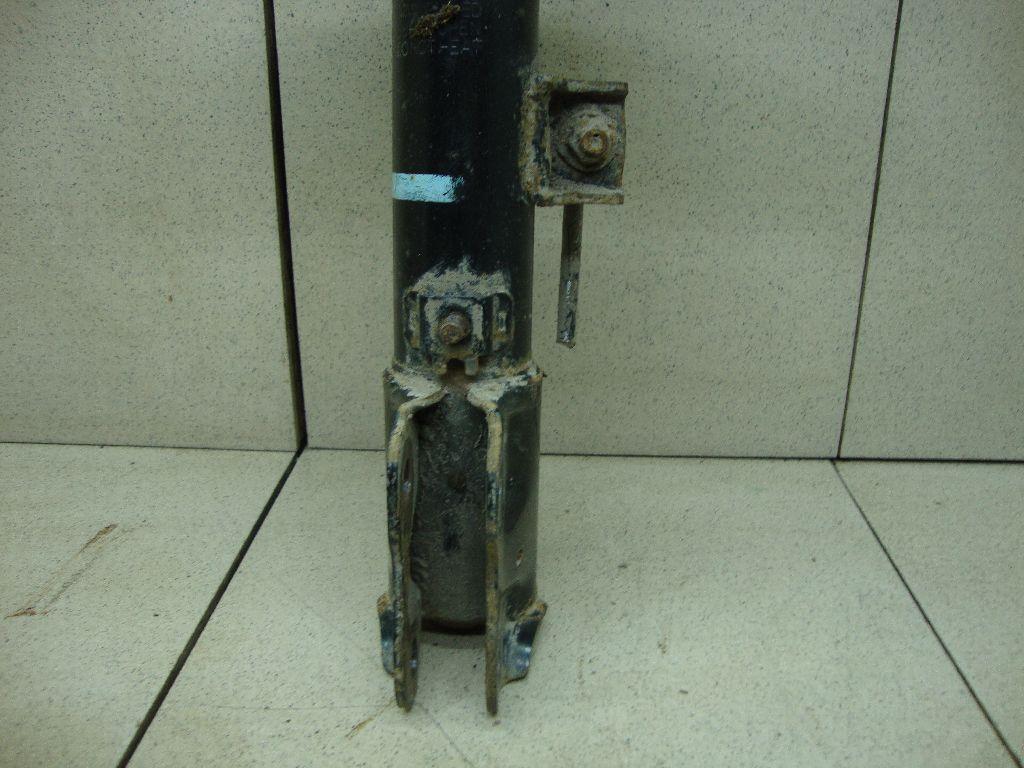 Амортизатор передний левый 4060A463