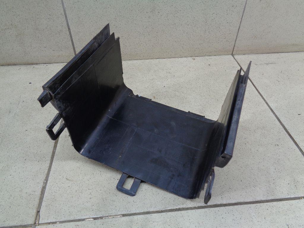 Крепление АКБ (корпус/подставка) 1K0915336