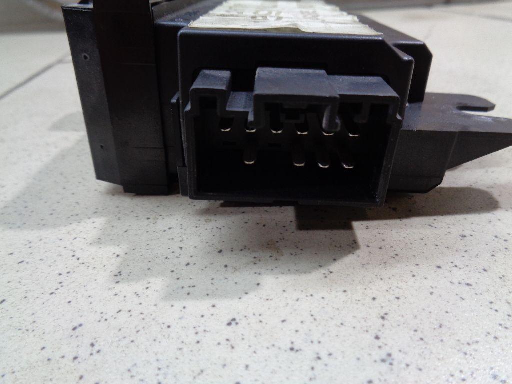 Блок управления стеклоподъемниками 30737519