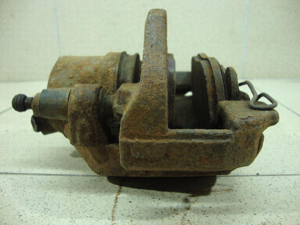 Суппорт тормозной передний левый BPYK3371XC