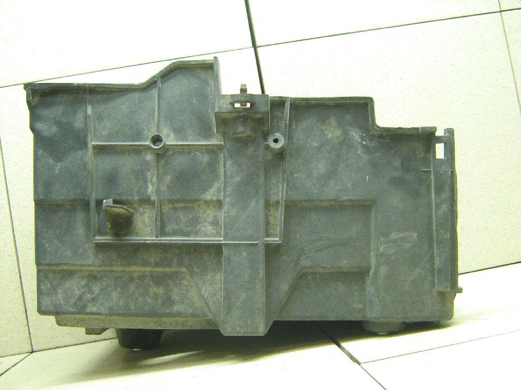 Крепление АКБ (корпус/подставка) 1678527