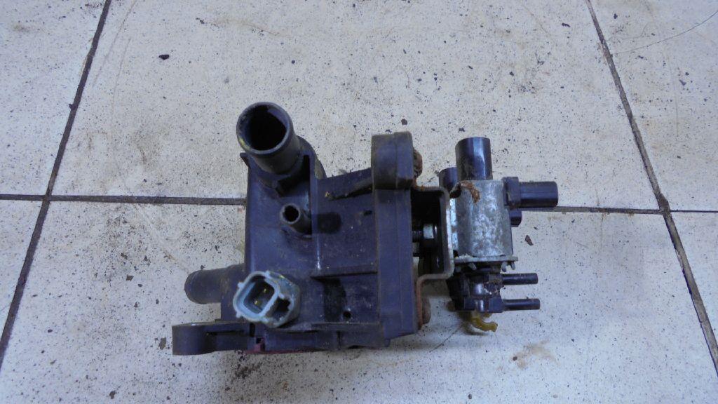 Фланец двигателя системы охлаждения 6G9G8K556AA