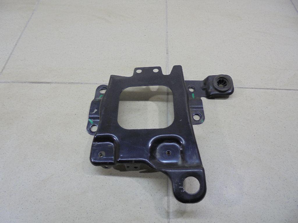 Крепление АКБ (корпус/подставка) AV61R6K034AB