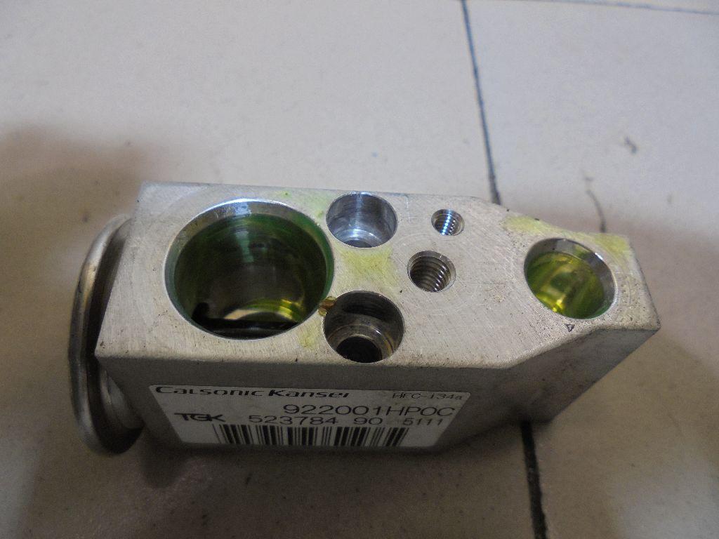 Клапан кондиционера 922001HP0C
