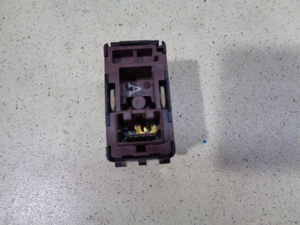 Кнопка открывания багажника 25380JF00A