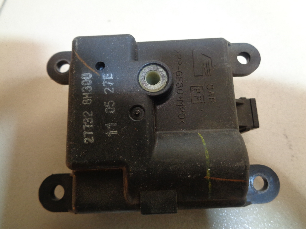 Моторчик заслонки отопителя 277328H300