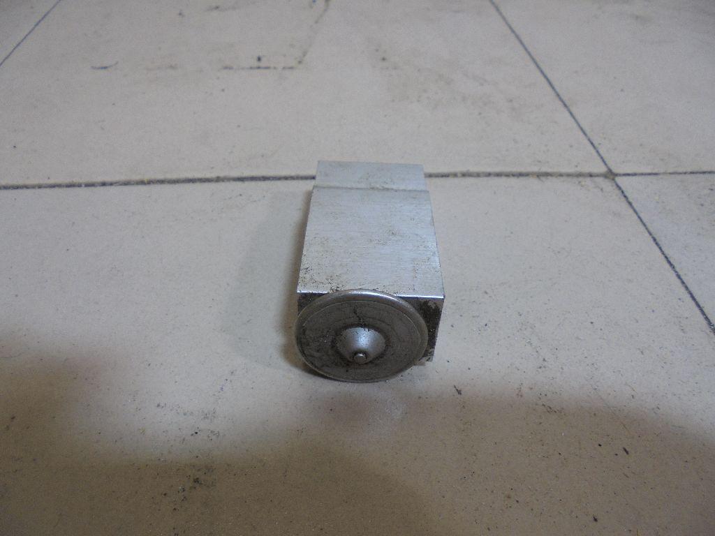 Клапан кондиционера 922005Z010