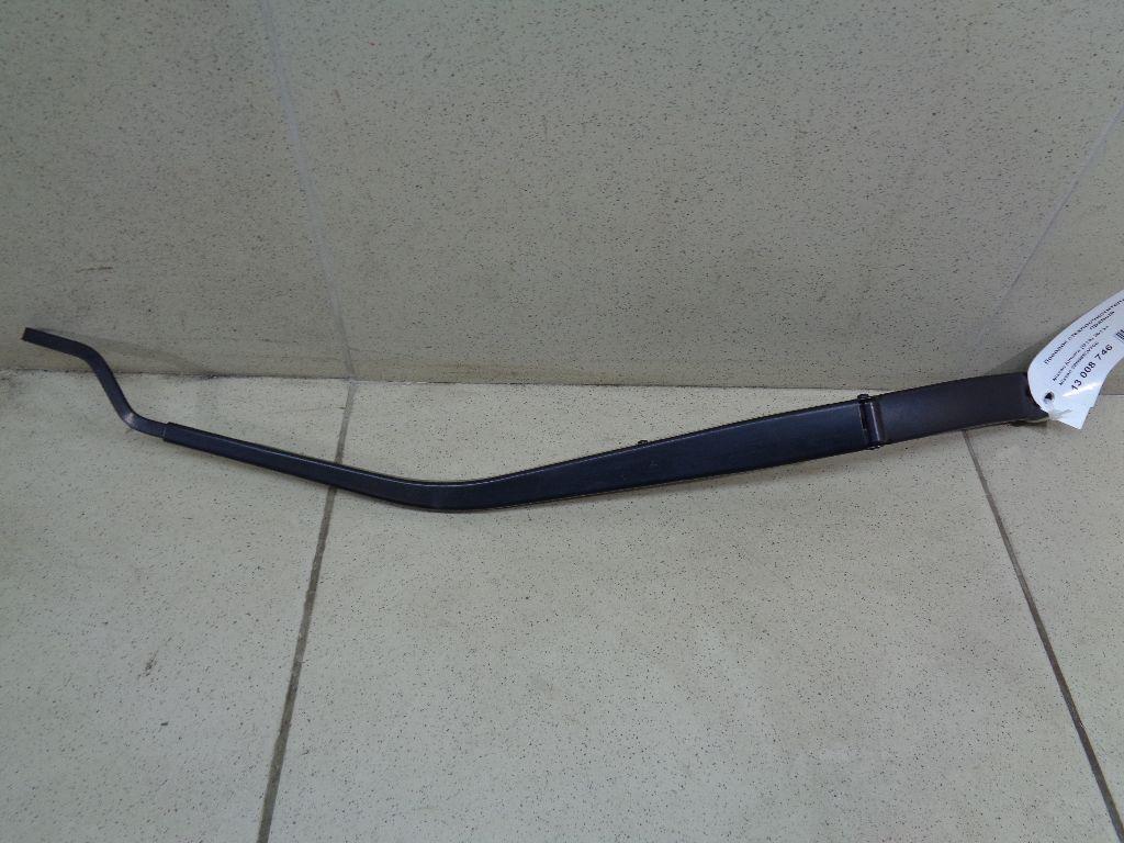Поводок стеклоочистителя передний правый 28886EW700