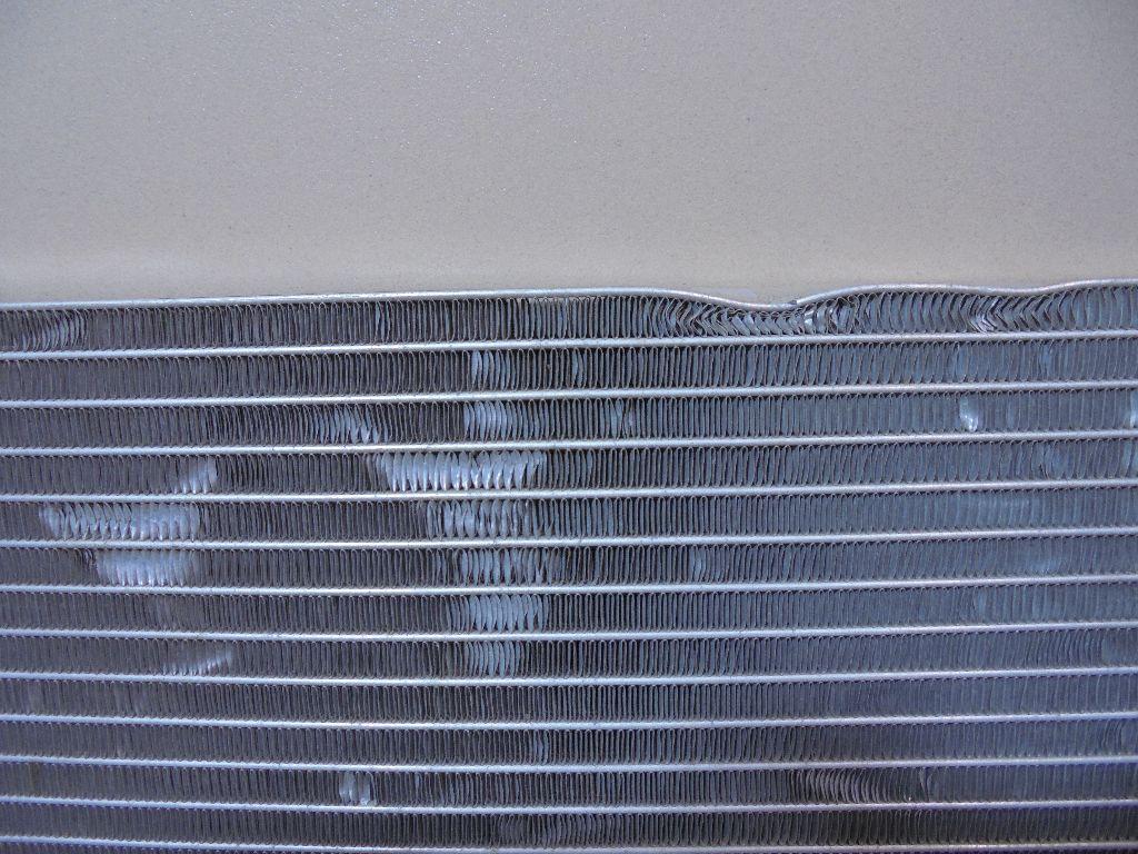 Радиатор кондиционера (конденсер) 921007794R