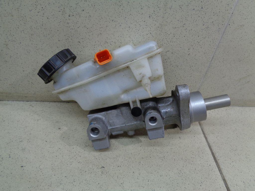 Цилиндр тормозной главный D60104AA8A