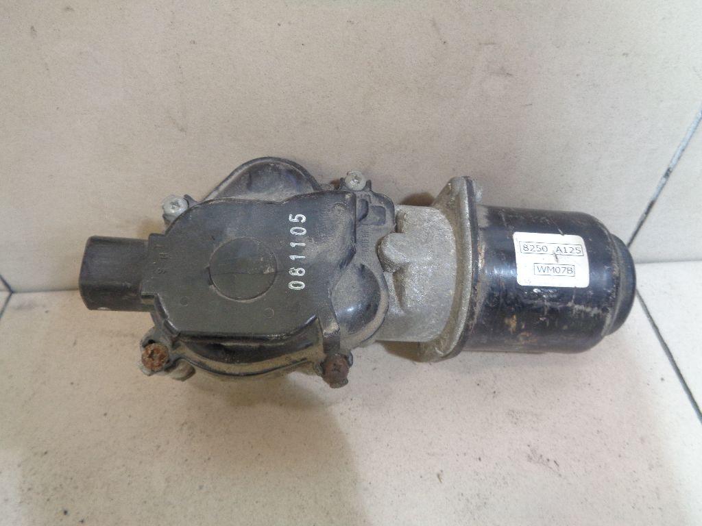 Моторчик стеклоочистителя передний 8250A125