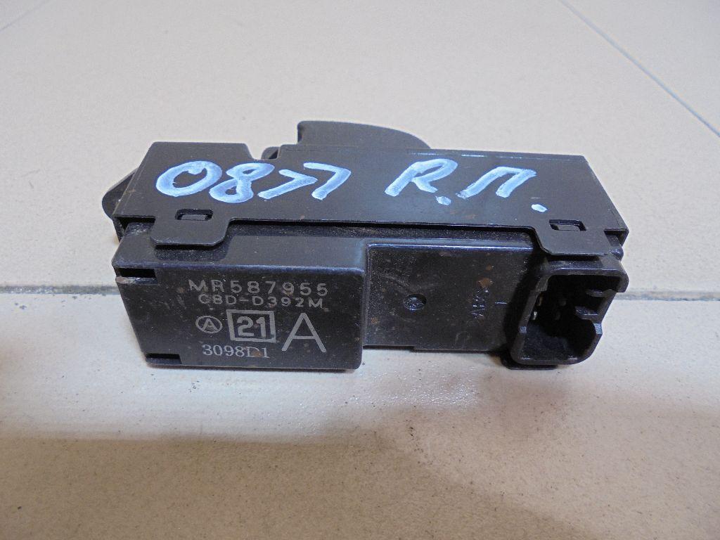 Кнопка стеклоподъемника MR587955