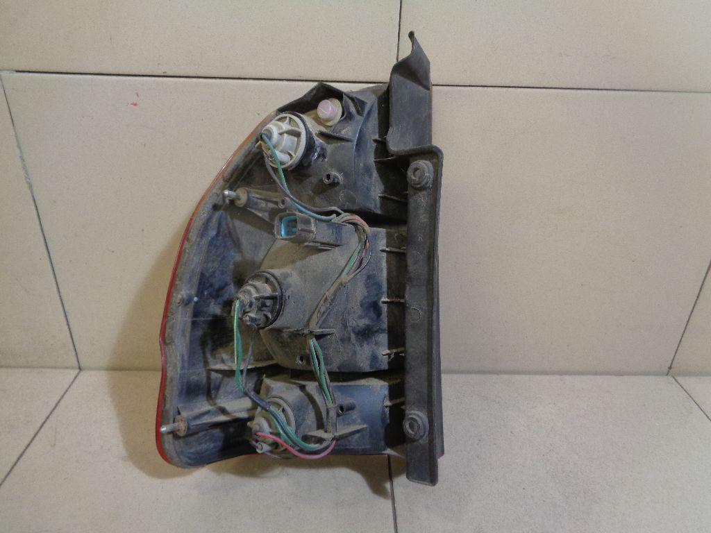 Фонарь задний правый MR296608