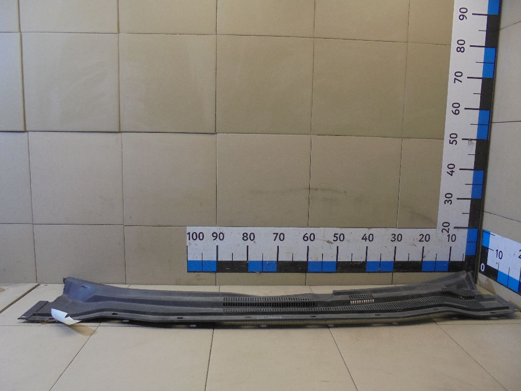 Решетка стеклооч. (планка под лобовое стекло) MR971425