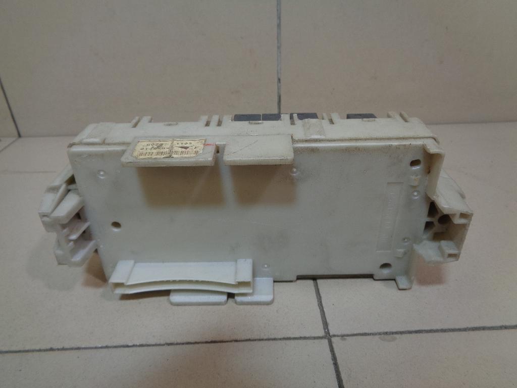 Блок предохранителей MR952263