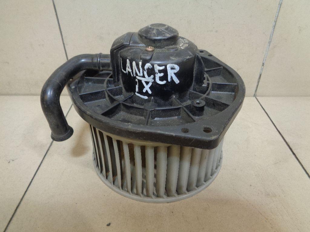 Моторчик отопителя MR568593