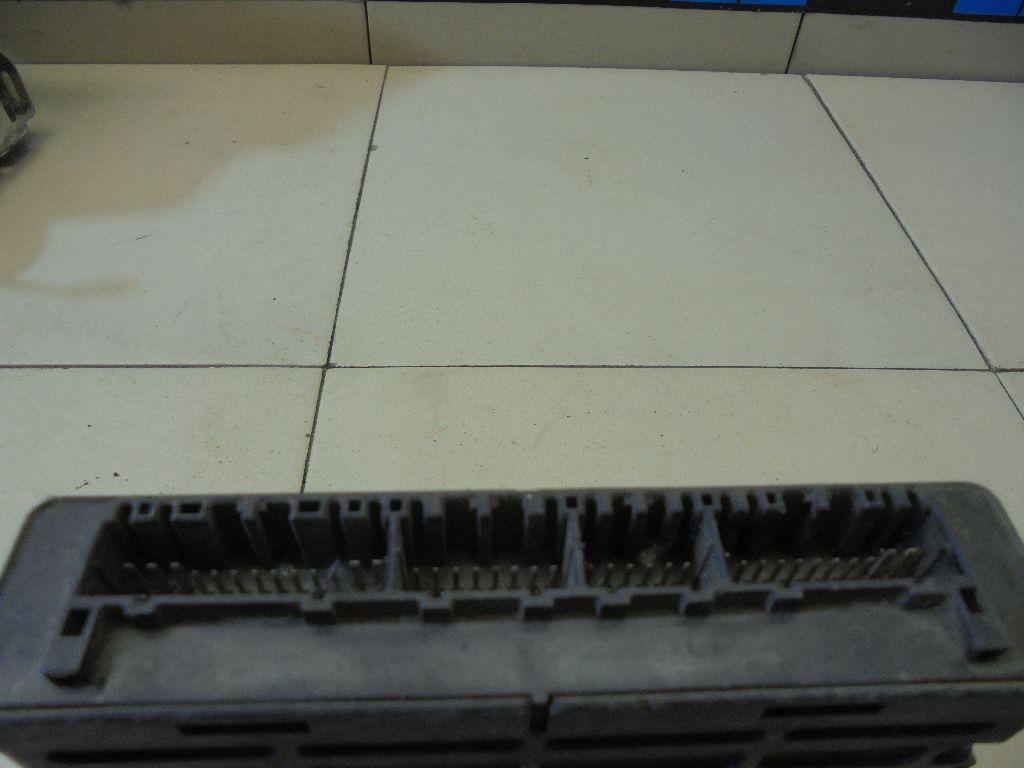 Блок управления двигателем MN122218