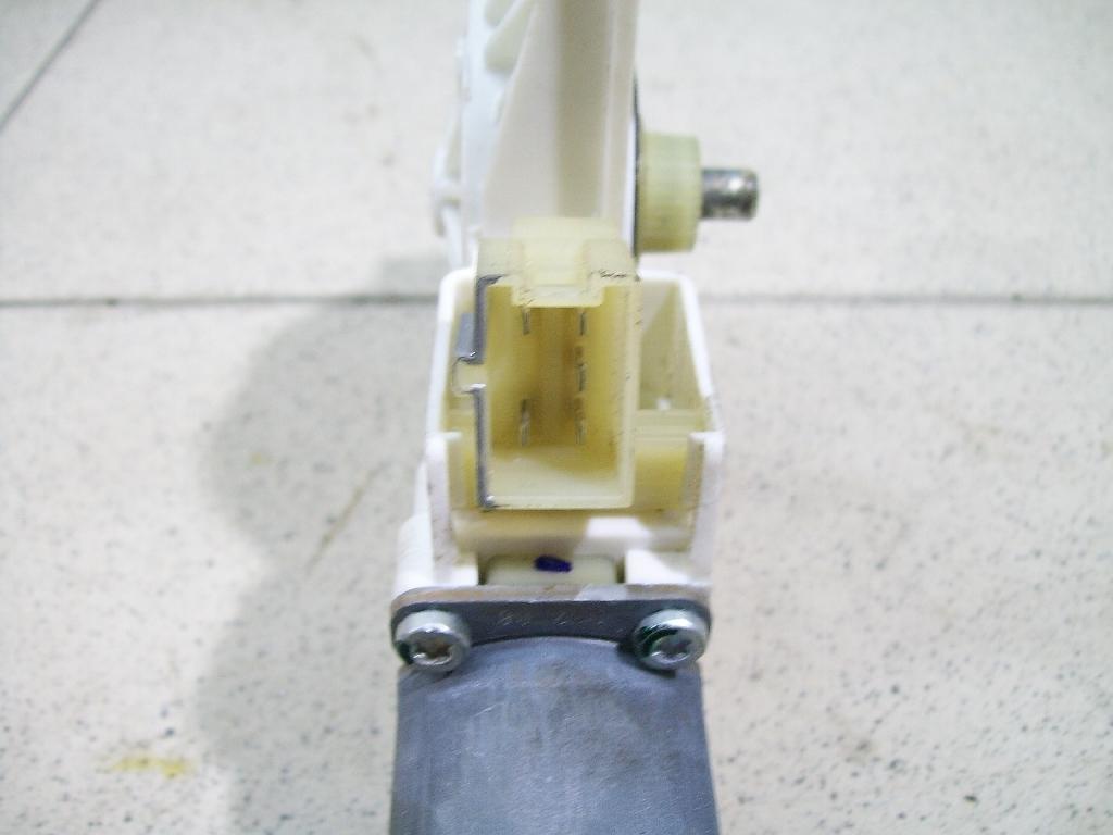 Моторчик стеклоподъемника 2518200742