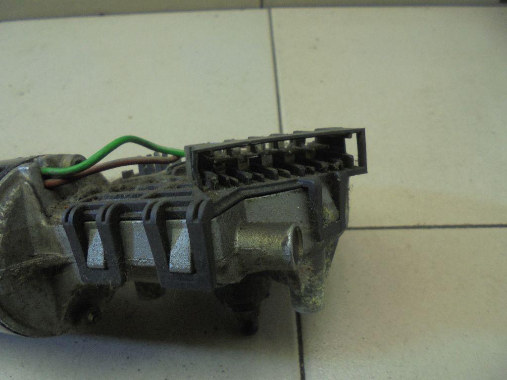 Моторчик стеклоочистителя передний 0390241420