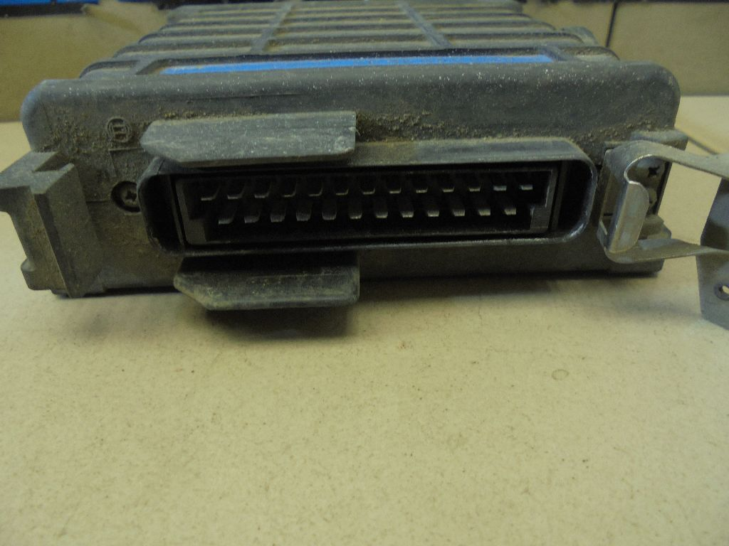 Блок управления двигателем 0025453632
