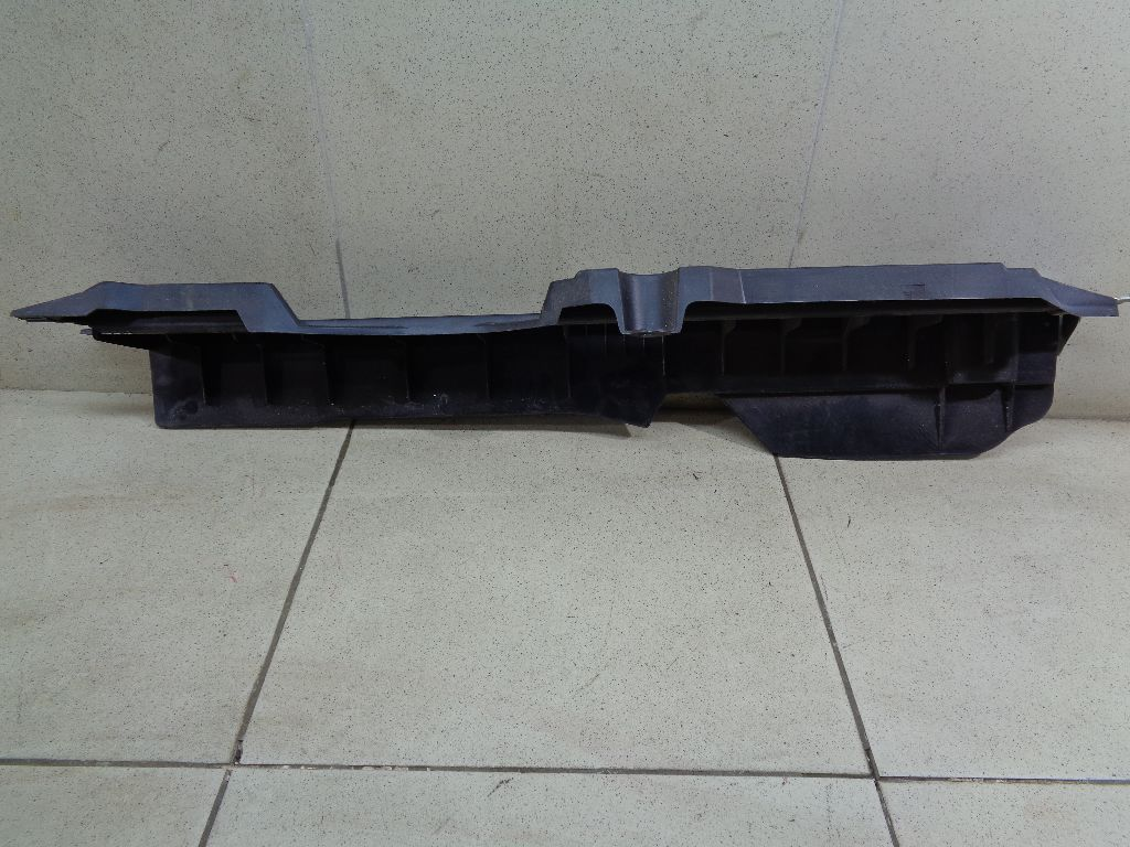 Направляющая шторки багажника 1646800131