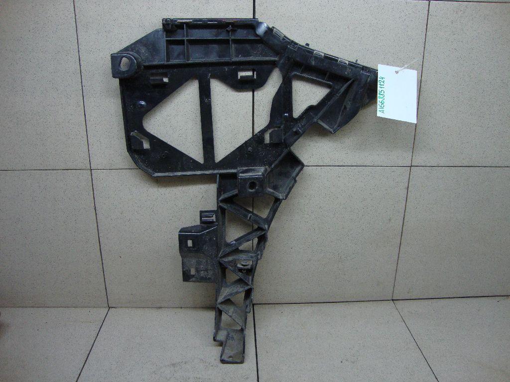 Кронштейн заднего бампера левый 1668801112