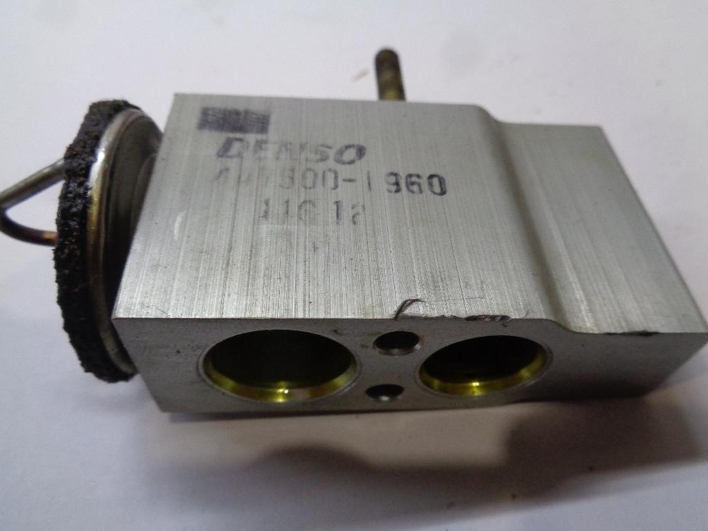 Клапан кондиционера 1638300084