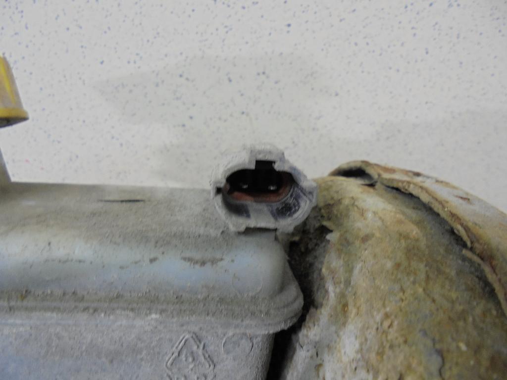 Цилиндр тормозной главный 96418851