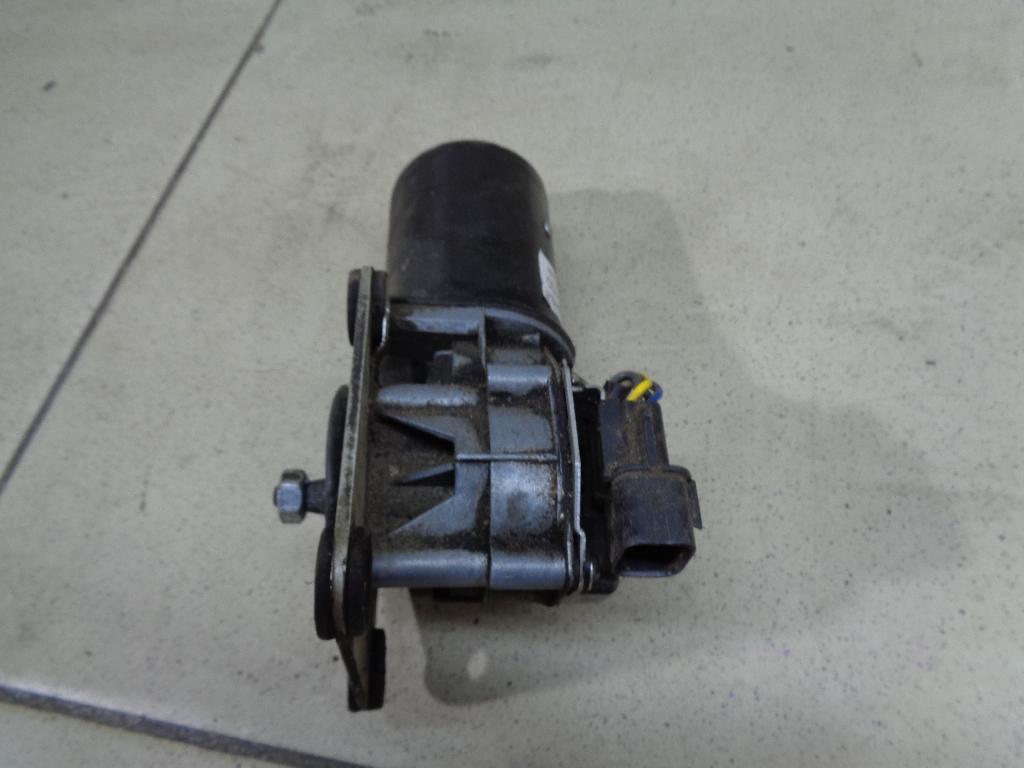 Моторчик стеклоочистителя передний 24.5215100
