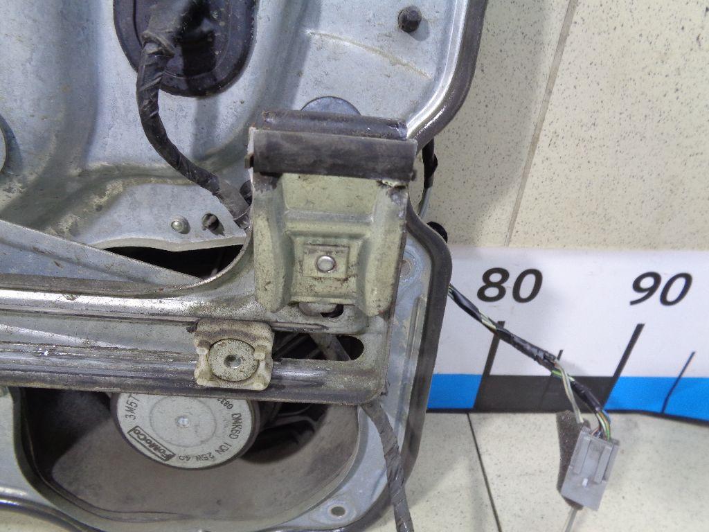 Стеклоподъемник электр. передний правый 1738646