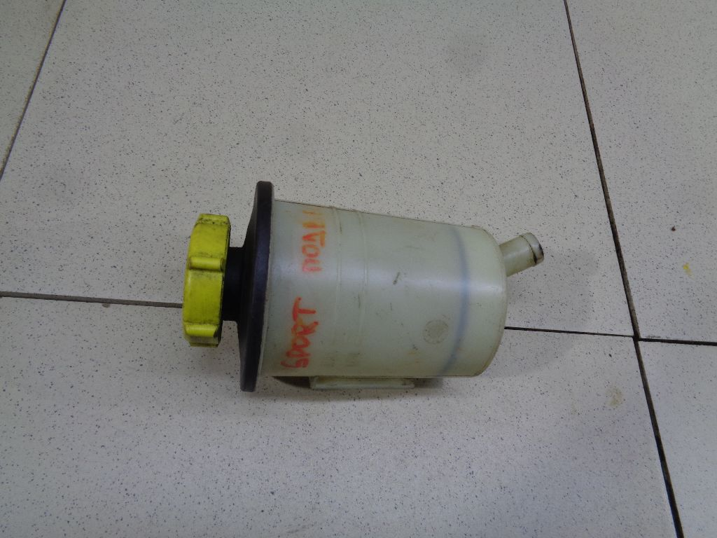Бачок гидроусилителя YC153R700AA
