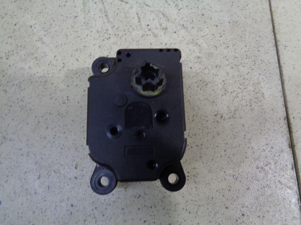 Моторчик заслонки отопителя 3M5H19E616AB