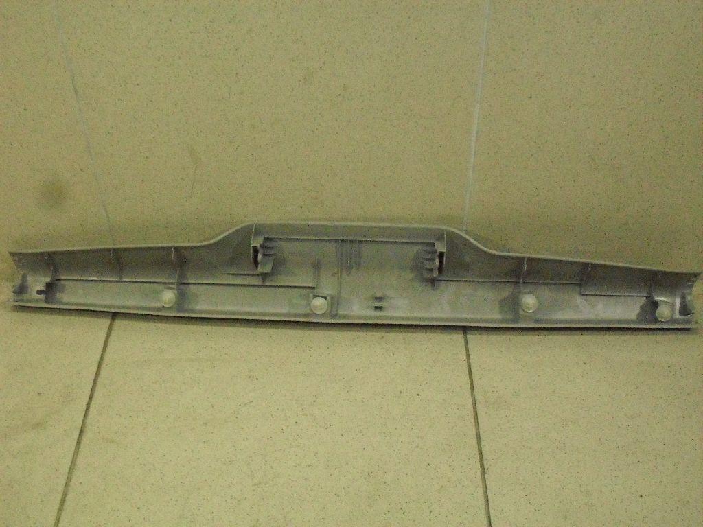 Обшивка двери багажника 6793960090B0
