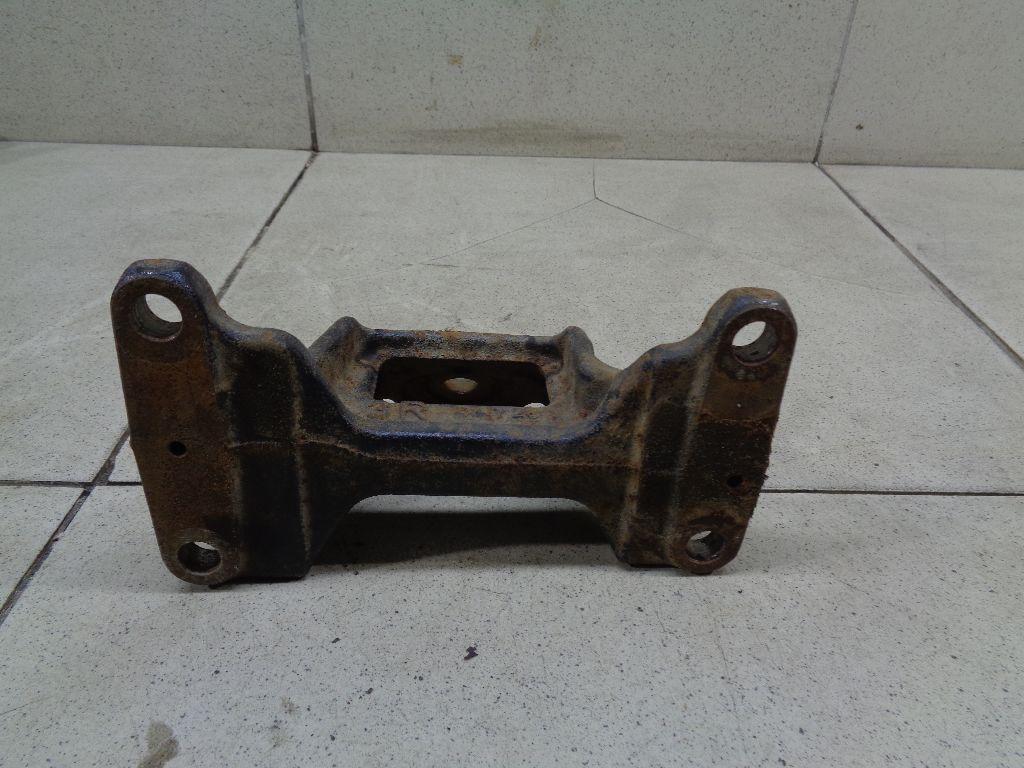 Кронштейн двигателя правый 1231551030