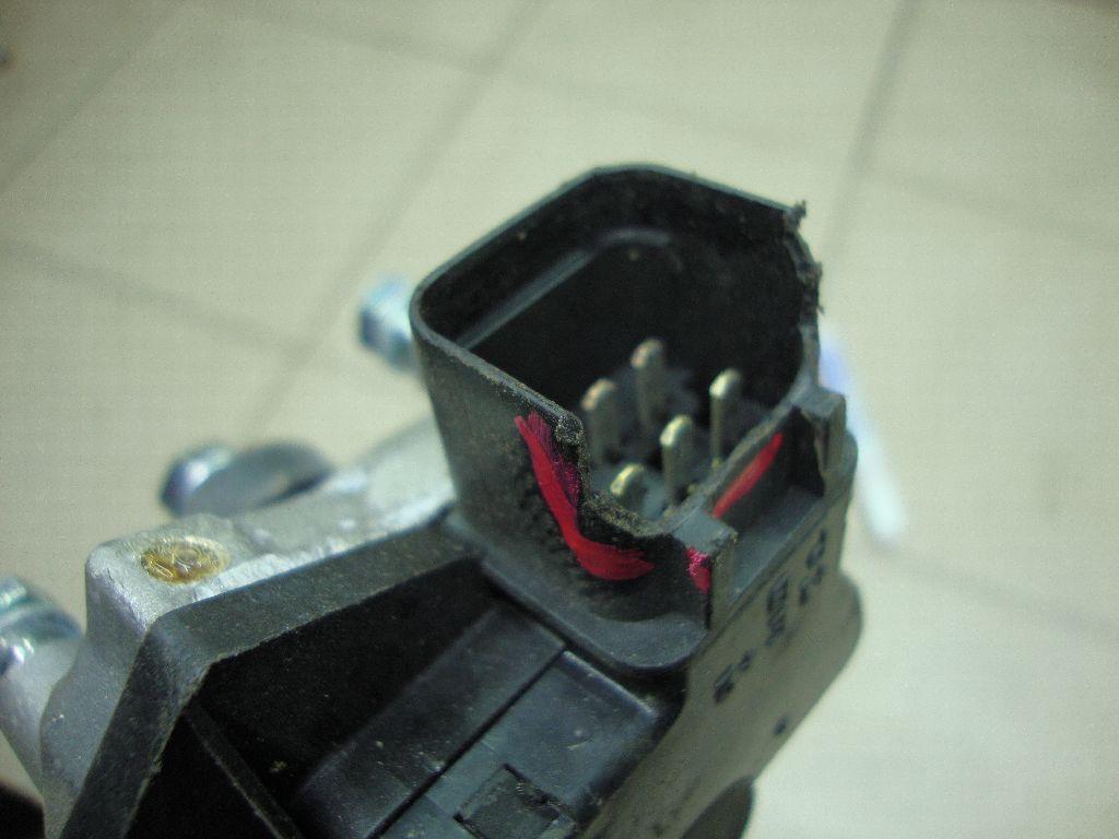 Моторчик стеклоочистителя передний 981101R000