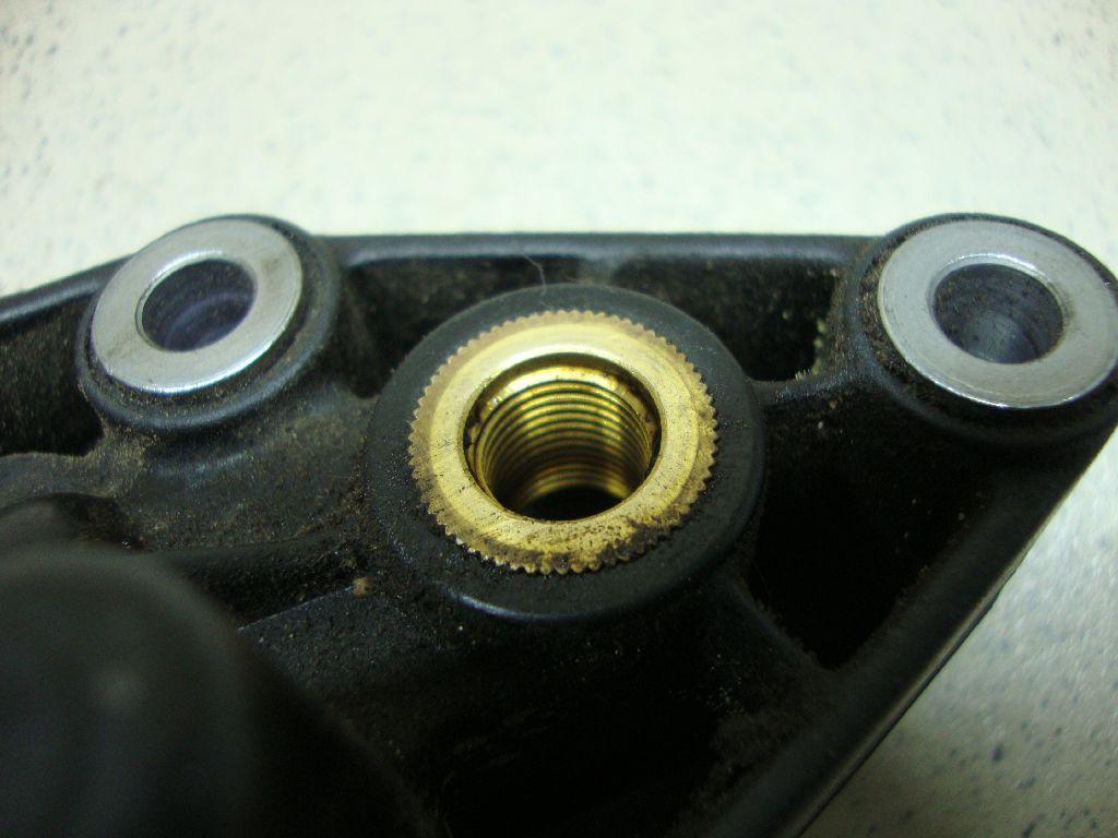 Корпус масляного фильтра 06E115405C